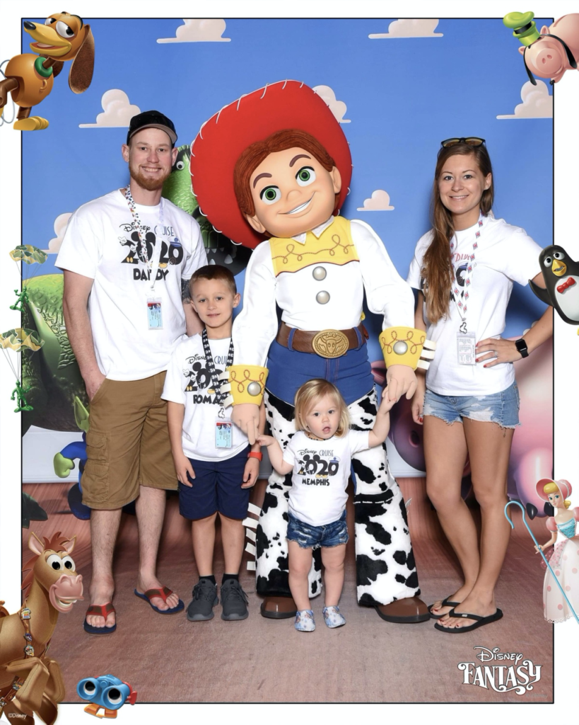 Family picture on Disney Cruise